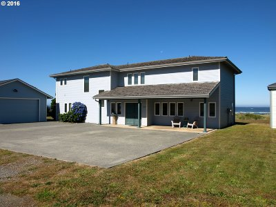 Gold Beach Single Family Home For Sale: 30526 Old Coast Rd