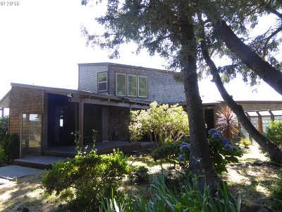 Gold Beach OR Single Family Home For Sale: $825,000