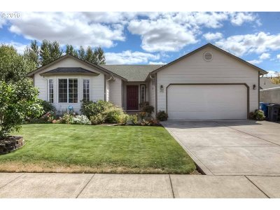 Stayton Single Family Home Sold: 490 Whitney St