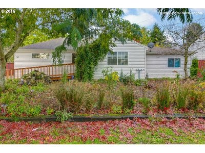 Single Family Home For Sale: 723 SE 151st Ave