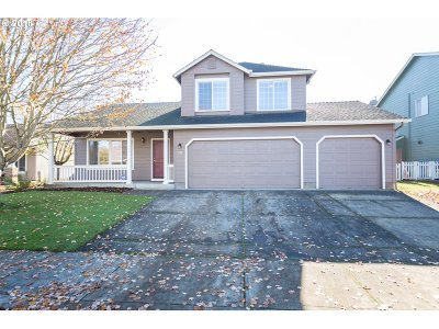 Stayton Single Family Home Sold: 532 Meadowbrook Ln