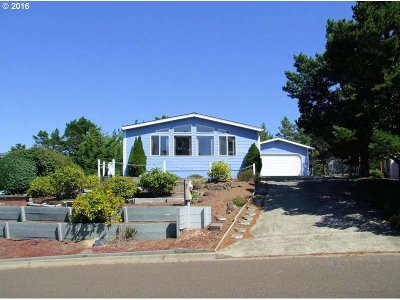 Single Family Home Sold: 832 Wecoma Loop