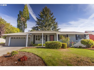 Stayton Single Family Home Sold: 1831 E Pine St