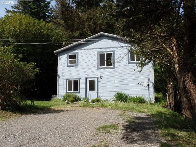 Port Orford Single Family Home For Sale: 805 Coast Guard Hl Rd