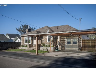 Lincoln City Single Family Home For Sale: 3041 SW Coast Ave