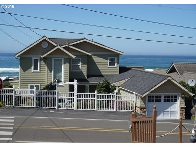 Lincoln City Single Family Home For Sale: 7207 NW Logan Rd