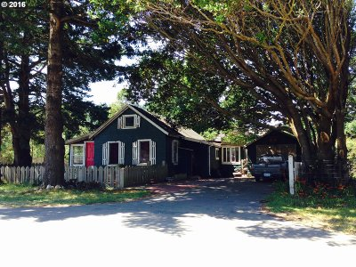 Port Orford Single Family Home For Sale: 1108 Idaho St