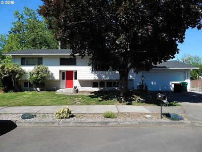Single Family Home Sold: 825 SE Atherton Ave