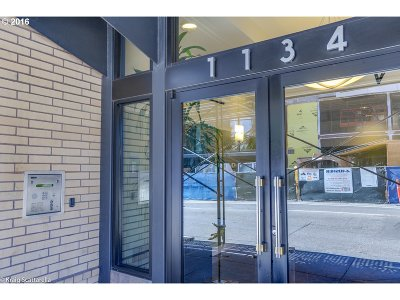 Condo/Townhouse Sold: 1134 SW Jefferson St #604