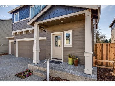 Scappoose Single Family Home For Sale: 51568 South Fork Loop