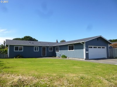 Bandon Single Family Home For Sale: 815 SW 12th St