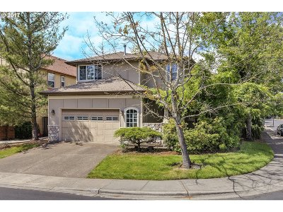 Portland Single Family Home For Sale: 14327 NW Lilium Dr