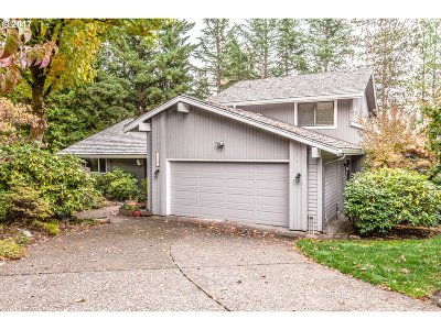 Lake Oswego Single Family Home For Sale: 13606 Blazer Trl