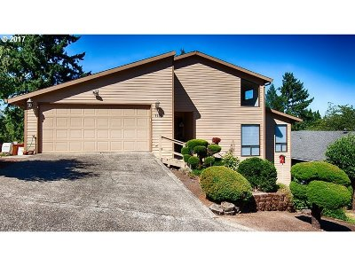 Gladstone Single Family Home For Sale: 7735 Cason Ln
