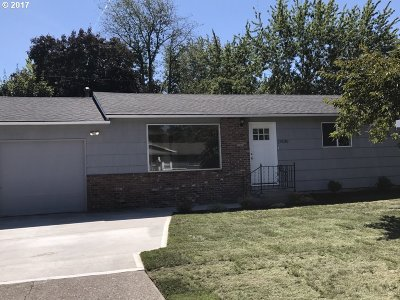 Single Family Home For Sale: 17830 SE Mill St
