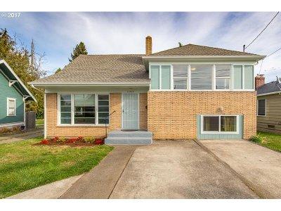 Salem Single Family Home For Sale: 1549 Market St