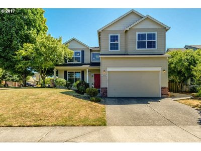 Portland Single Family Home For Sale: 16632 NW Countryridge Dr