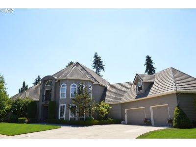 Keizer Single Family Home For Sale: 574 Castle Glen Ln
