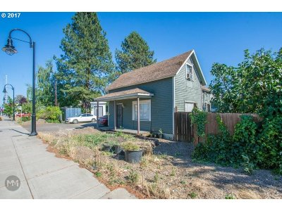 Cornelius Single Family Home For Sale: 1733 Baseline St