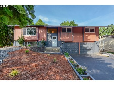 Single Family Home Sold: 2209 SE Talton Ave