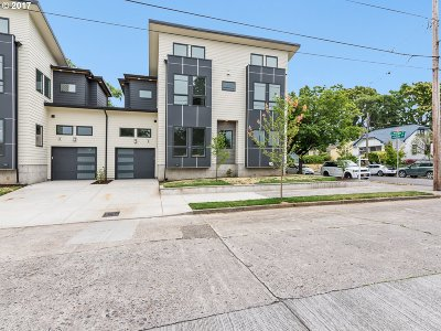 Single Family Home For Sale: 933 N Webster St