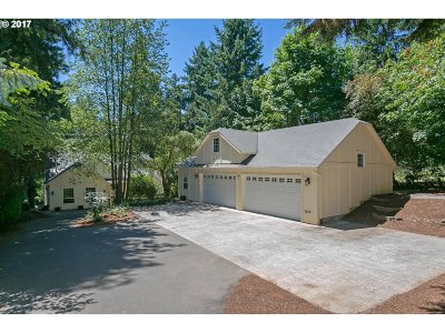 Lake Oswego Single Family Home For Sale: 7050 Childs Rd