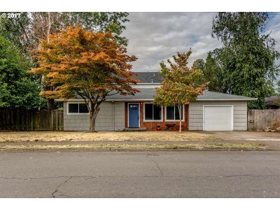 Portland OR Single Family Home For Sale: $319,900