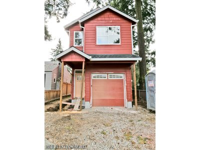Single Family Home For Sale: 6120 SE Flavel St