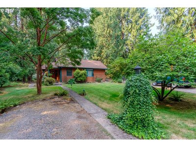 Happy Valley, Clackamas Single Family Home For Sale: 16571 SE Sunnyside Rd