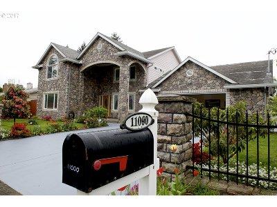 Single Family Home For Sale: 11000 NE Siskiyou St