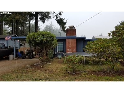 Coos Bay Single Family Home For Sale: 63522 Grand Rd