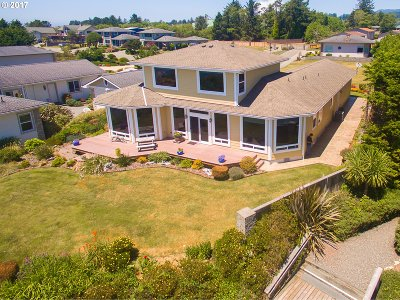 Brookings Single Family Home For Sale: 835 Chetco Point Tr