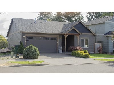 Newberg, Dundee Single Family Home For Sale: 636 Corinne Dr