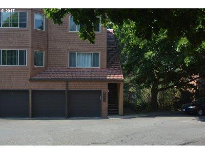 Lake Oswego Condo/Townhouse For Sale: 33 Oswego Smt