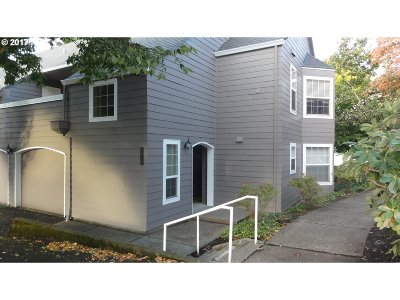 Wilsonville Condo/Townhouse For Sale: 8615 SW Curry Dr #D