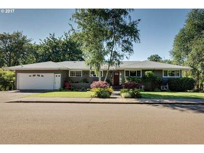 Sherwood Single Family Home For Sale: 16157 SW 3rd St