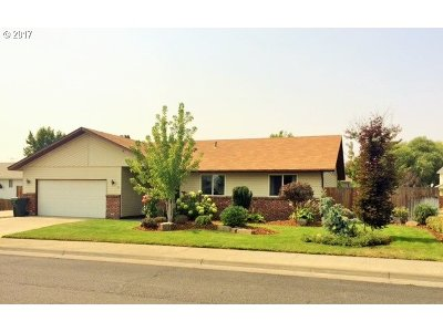 Hermiston Single Family Home For Sale: 58 NE Alora Dr