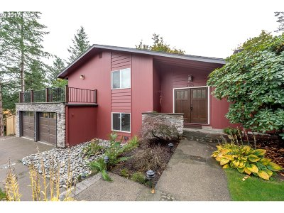 Portland Single Family Home For Sale: 2785 SW Scenic Dr