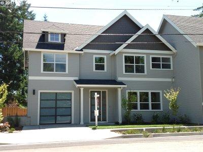 Portland Single Family Home For Sale: 2736 SW Nevada Ct