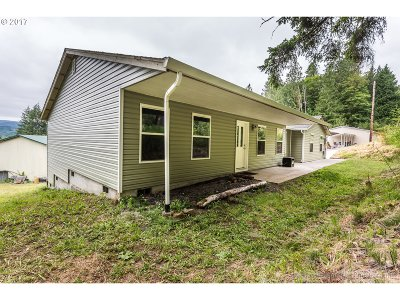 Clatskanie Single Family Home For Sale: 964 Haven Acres Rd