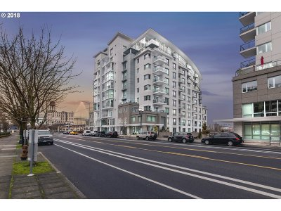 Multnomah County Condo/Townhouse For Sale: 1310 NW Naito Pkwy #704