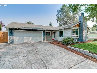 Beaverton Single Family Home For Sale: 680 SW 195th Ct