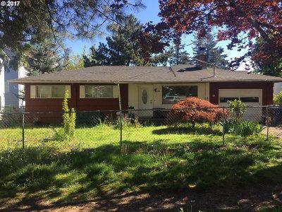 Single Family Home For Sale: 12238 SE Bush St