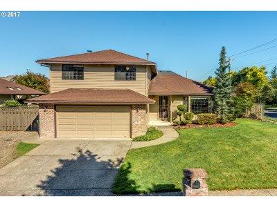 Single Family Home For Sale: 16873 NE San Rafael Dr