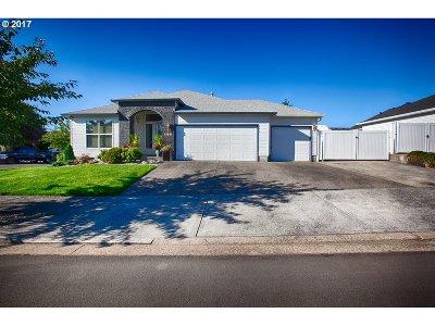 Multnomah County, Washington County, Clackamas County Single Family Home For Sale: 14409 Cambria Ter