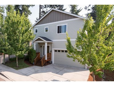 Gresham Single Family Home For Sale: 2045 NW Bella Vista Dr