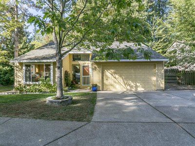 Tigard Single Family Home For Sale: 9585 SW Shady Pl