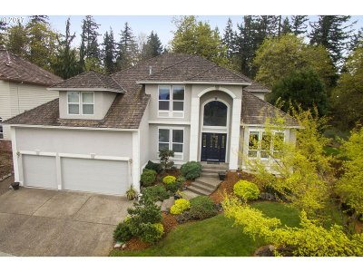 Clackamas Single Family Home For Sale: 14425 SE Summit Ct