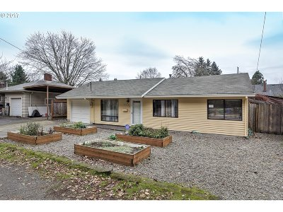 Single Family Home For Sale: 3025 NE 92nd Ave