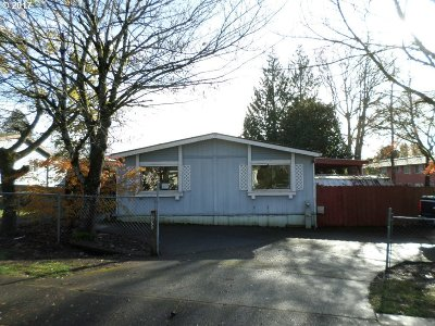 Milwaukie, Gladstone Single Family Home For Sale: 4670 SE Roethe Rd
